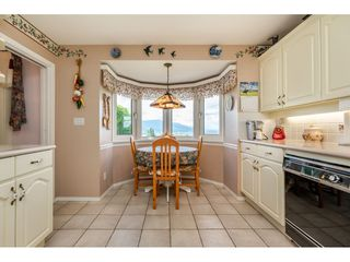 "Photo 5: 35788 CANTERBURY Avenue in Abbotsford: Abbotsford East House for sale in ""sumas mountain"" : MLS®# R2376729"