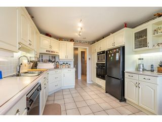 """Photo 4: 35788 CANTERBURY Avenue in Abbotsford: Abbotsford East House for sale in """"sumas mountain"""" : MLS®# R2376729"""
