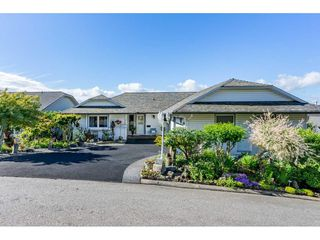 """Photo 2: 35788 CANTERBURY Avenue in Abbotsford: Abbotsford East House for sale in """"sumas mountain"""" : MLS®# R2376729"""
