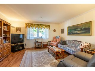"""Photo 9: 35788 CANTERBURY Avenue in Abbotsford: Abbotsford East House for sale in """"sumas mountain"""" : MLS®# R2376729"""