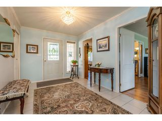 """Photo 3: 35788 CANTERBURY Avenue in Abbotsford: Abbotsford East House for sale in """"sumas mountain"""" : MLS®# R2376729"""