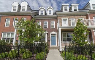 Photo 1: 1049 GAULT Boulevard in Edmonton: Zone 27 Townhouse for sale : MLS®# E4162643