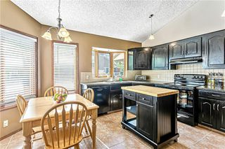 Photo 13: 84 SANDERLING NW in Calgary: Sandstone Valley Detached for sale : MLS®# C4256484