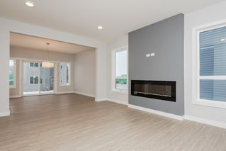 Photo 4: 15607 15 Avenue in Edmonton: Zone 56 House for sale : MLS®# E4191807