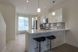 """Photo 5: 5 9989 240A Street in Maple Ridge: Albion Townhouse for sale in """"ALBION CROSSING"""" : MLS®# R2454131"""