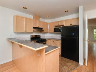 Photo 5: 502 510 Marsett Pl in Saanich: SW Royal Oak Row/Townhouse for sale (Saanich West)  : MLS®# 839197