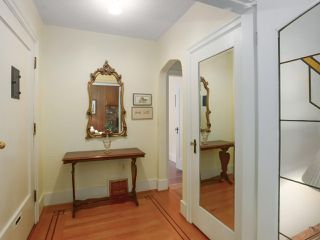 Photo 3: 1861 E 35TH AVENUE in Vancouver: Victoria VE House for sale (Vancouver East)  : MLS®# R2463149