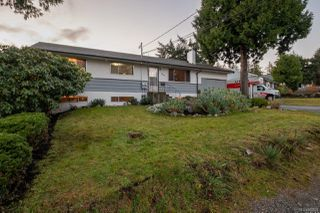 Photo 3: 3161 Uplands Dr in : Na Uplands House for sale (Nanaimo)  : MLS®# 860638
