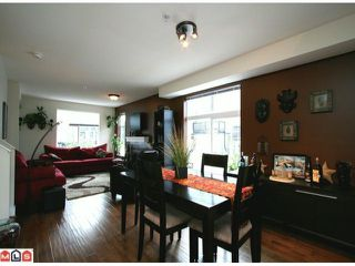 Photo 3: 66 15833 26 Avenue in Surrey: White Rock Townhouse for sale : MLS®# F1103281