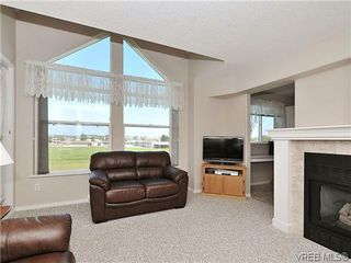 Photo 3: 307 2250 James White Boulevard in SAANICHTON: SI Sidney North-East Residential for sale (Sidney)  : MLS®# 323451