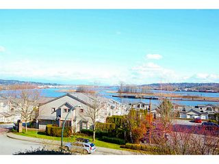 "Photo 5: 203 70 RICHMOND Street in New Westminster: Fraserview NW Condo for sale in ""GOVERNOR'S COURT"" : MLS®# V1051672"