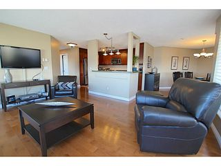 "Photo 7: 203 70 RICHMOND Street in New Westminster: Fraserview NW Condo for sale in ""GOVERNOR'S COURT"" : MLS®# V1051672"