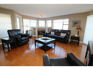 "Photo 4: 203 70 RICHMOND Street in New Westminster: Fraserview NW Condo for sale in ""GOVERNOR'S COURT"" : MLS®# V1051672"