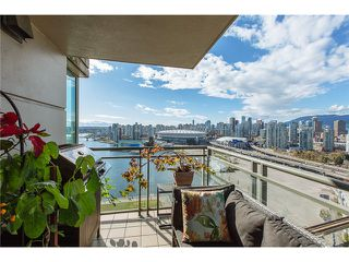 "Photo 15: 2405 1128 QUEBEC Street in Vancouver: Mount Pleasant VE Condo for sale in ""THE NATIONAL AT CITYGATE BY BOSA"" (Vancouver East)  : MLS®# V1058197"
