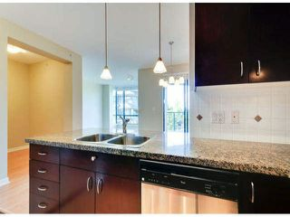 """Photo 3: 503 1581 FOSTER Street: White Rock Condo for sale in """"SUSSEX HOUSE"""" (South Surrey White Rock)  : MLS®# F1423430"""