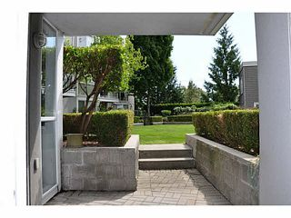 "Photo 9: 111 8450 JELLICOE Street in Vancouver: Fraserview VE Condo for sale in ""THE BOARDWALK"" (Vancouver East)  : MLS®# V1090440"