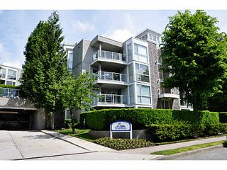 "Photo 10: 111 8450 JELLICOE Street in Vancouver: Fraserview VE Condo for sale in ""THE BOARDWALK"" (Vancouver East)  : MLS®# V1090440"