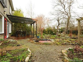 Photo 17: 1657 Yale St in VICTORIA: OB North Oak Bay House for sale (Oak Bay)  : MLS®# 691411