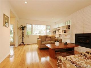 Photo 3: 1657 Yale Street in VICTORIA: OB North Oak Bay Single Family Detached for sale (Oak Bay)  : MLS®# 346284