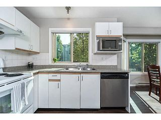 """Photo 6: 202 2709 VICTORIA Drive in Vancouver: Grandview VE Condo for sale in """"VICTORIA COURT"""" (Vancouver East)  : MLS®# V1132733"""