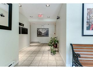 """Photo 3: 202 2709 VICTORIA Drive in Vancouver: Grandview VE Condo for sale in """"VICTORIA COURT"""" (Vancouver East)  : MLS®# V1132733"""