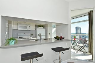 "Photo 6: 2409 438 SEYMOUR Street in Vancouver: Downtown VW Condo for sale in ""CONFERENCE PLAZA"" (Vancouver West)  : MLS®# R2003999"