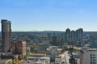 "Photo 1: 2409 438 SEYMOUR Street in Vancouver: Downtown VW Condo for sale in ""CONFERENCE PLAZA"" (Vancouver West)  : MLS®# R2003999"