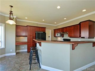 Photo 9: 2546 Crystalview Dr in VICTORIA: La Atkins Single Family Detached for sale (Langford)  : MLS®# 715780