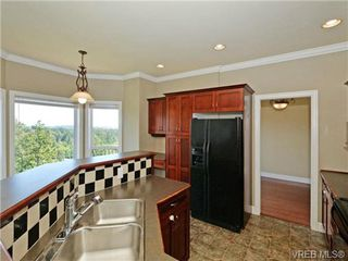 Photo 7: 2546 Crystalview Drive in VICTORIA: La Atkins Single Family Detached for sale (Langford)  : MLS®# 357671