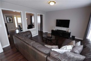 Photo 2: 250 Schreyer Crest in Milton: Harrison House (2-Storey) for sale : MLS®# W3367675