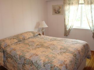 "Photo 7: 8380 FAIRHURST Road in Richmond: Seafair House for sale in ""SEAFAIR"" : MLS®# R2026638"