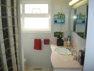 """Photo 9: 8380 FAIRHURST Road in Richmond: Seafair House for sale in """"SEAFAIR"""" : MLS®# R2026638"""