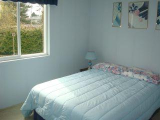 """Photo 8: 8380 FAIRHURST Road in Richmond: Seafair House for sale in """"SEAFAIR"""" : MLS®# R2026638"""