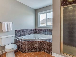Photo 3: 20 Oakmeadow Drive in Brampton: Fletcher's Meadow House (2-Storey) for sale : MLS®# W3405013