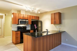 Photo 4: 106 2780 ACADIA Road in Vancouver: University VW Townhouse for sale (Vancouver West)  : MLS®# R2045967