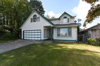 Photo 2: 18765 58 Avenue in Surrey: Cloverdale BC House for sale (Cloverdale)  : MLS®# R2082050
