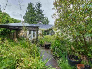 "Photo 15: 1549 KERFOOT Road: White Rock House for sale in ""West White Rock"" (South Surrey White Rock)  : MLS®# R2089181"