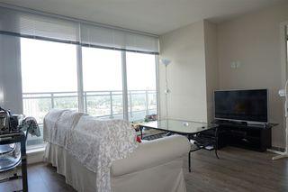 """Photo 7: 2105 13303 103A Avenue in Surrey: Whalley Condo for sale in """"WAVE"""" (North Surrey)  : MLS®# R2128525"""