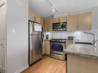 """Photo 14: 1507 1068 W BROADWAY in Vancouver: Fairview VW Condo for sale in """"The Zone"""" (Vancouver West)  : MLS®# R2137350"""