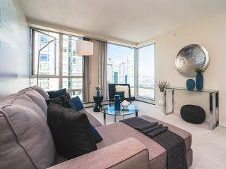Photo 4: 1602 1201 MARINASIDE Crescent in Vancouver: Yaletown Condo for sale (Vancouver West)  : MLS®# R2163698