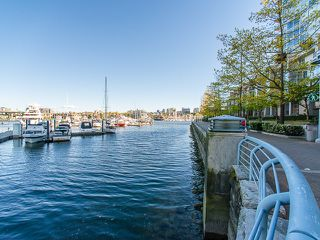 Photo 20: 1602 1201 MARINASIDE Crescent in Vancouver: Yaletown Condo for sale (Vancouver West)  : MLS®# R2163698
