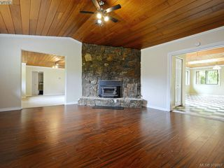 Photo 2: 2745 Heald Rd in SHAWNIGAN LAKE: ML Shawnigan Single Family Detached for sale (Malahat & Area)  : MLS®# 760893