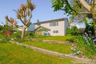 Photo 1: 12058 210 Street in Maple Ridge: Northwest Maple Ridge House for sale : MLS®# R2179738