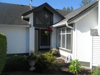 "Photo 2: 6 19649 53 Avenue in Langley: Langley City Townhouse for sale in ""Huntsfield Green"" : MLS®# R2192002"