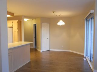 "Photo 11: 6 19649 53 Avenue in Langley: Langley City Townhouse for sale in ""Huntsfield Green"" : MLS®# R2192002"
