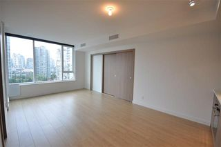 Photo 10: 1616 68 Smithe Street in Vancouver: Condo for sale : MLS®# R2132062