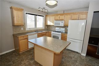 Photo 6: 500 QUEEN CHARLOTTE Road SE in Calgary: Queensland House for sale : MLS®# C4161962