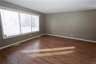 Photo 9: 500 QUEEN CHARLOTTE Road SE in Calgary: Queensland House for sale : MLS®# C4161962