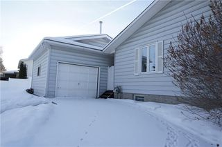 Photo 4: 500 QUEEN CHARLOTTE Road SE in Calgary: Queensland House for sale : MLS®# C4161962
