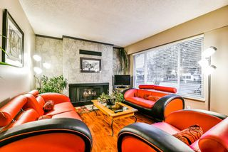 Photo 3: 15757 92 Avenue in Surrey: Fleetwood Tynehead House for sale : MLS®# R2233335